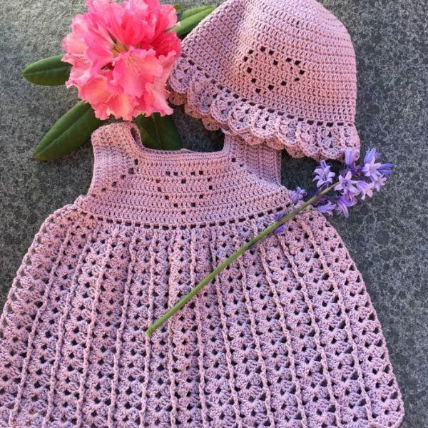 Baby kjoler, bukser og nederdele